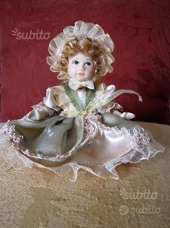 Bambolina in porcellana vintage