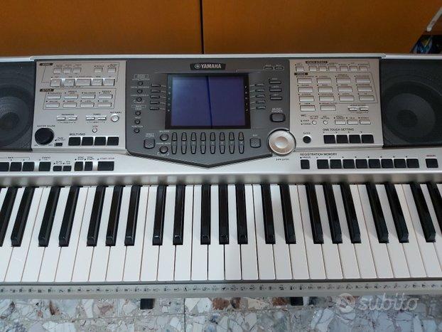 Yamaha PSR- 2000
