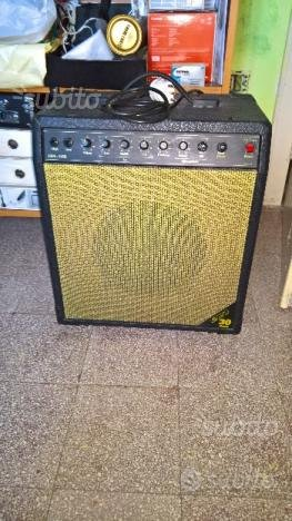 Amplificatore EKO 30 BASS