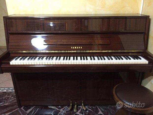Pianoforte piano Yamaha c108 tastiera acustico
