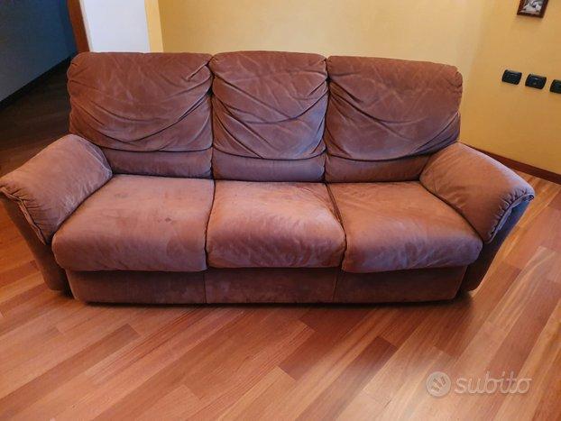 Coppia divani in vera pelle scamosciata