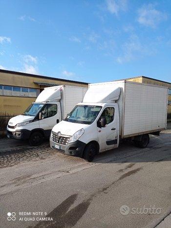 Padroncino con furgoni