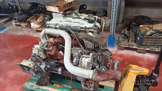 Motore tector 4 cilindri, usato