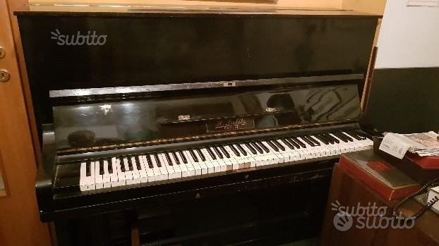 Pianoforte Marca LUBITZ verticale