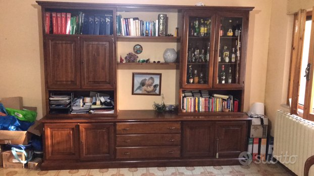 Mobile sala in legno con vetrina d libreria