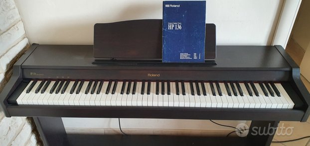 Pianoforte digitale Roland HP136
