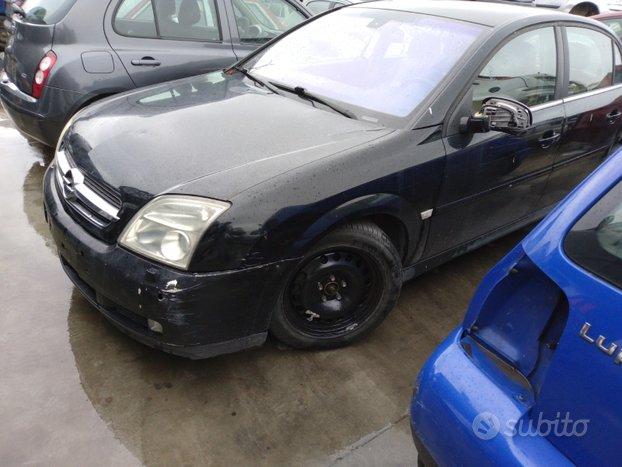 Opel vectra c 2005 berlina RICAMBI USATI