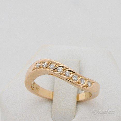 Anello veretta oblique oro rosa 18kt con diamanti