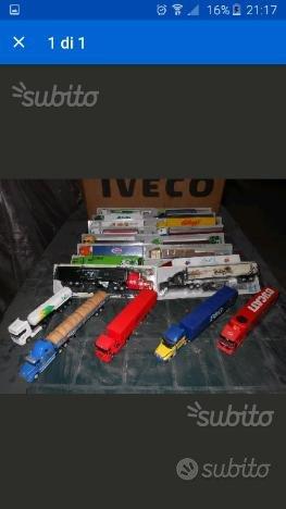 Collezione di 21 camion