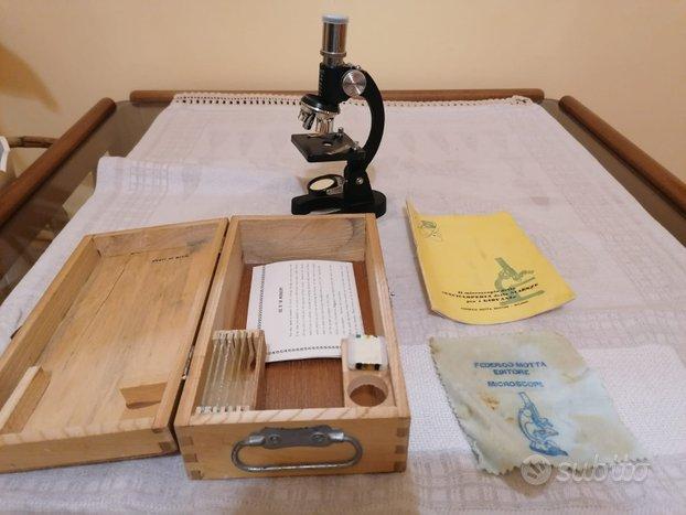 Microscopio vintage Made in Japan Motta Editore