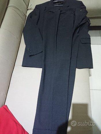 24d6dd7bc2a5 Abito uomo taglia 52 - Abbigliamento e Accessori In vendita a Matera