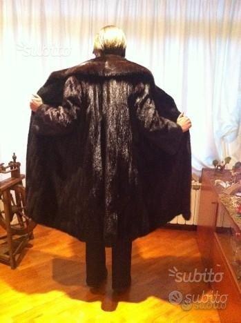 Cappotto di pelliccia vera di VISONE BLACK Selvagg