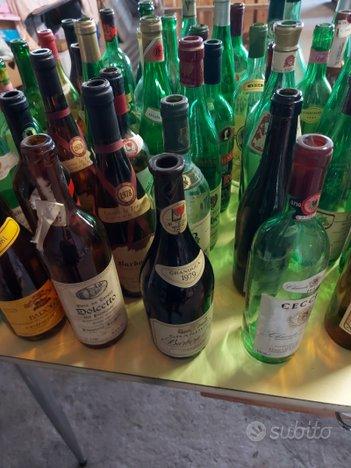 Bottiglie di vino vintage