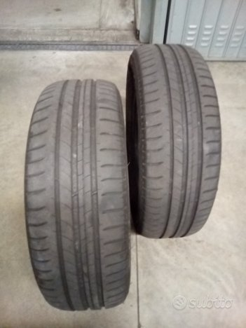 2 gomme Michelin 195 60 r15 88H