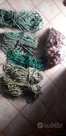 Piombi e sugheri per reti da pesca