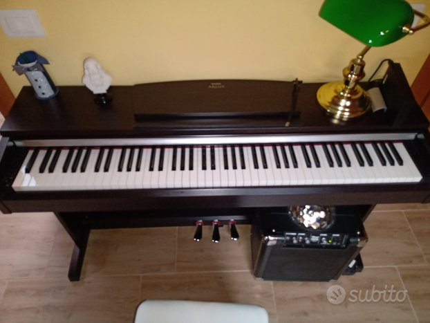 Pianoforte digitale YAMAHA ARIUS