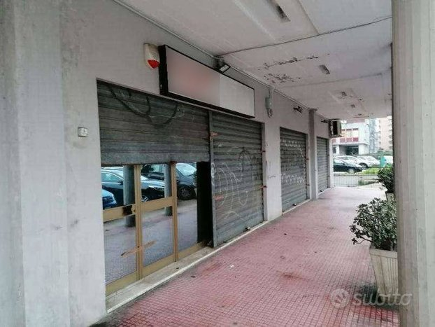 Locale commerciale a Latina