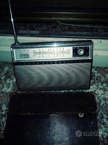 Radio. lettore cassette. compatto stereo