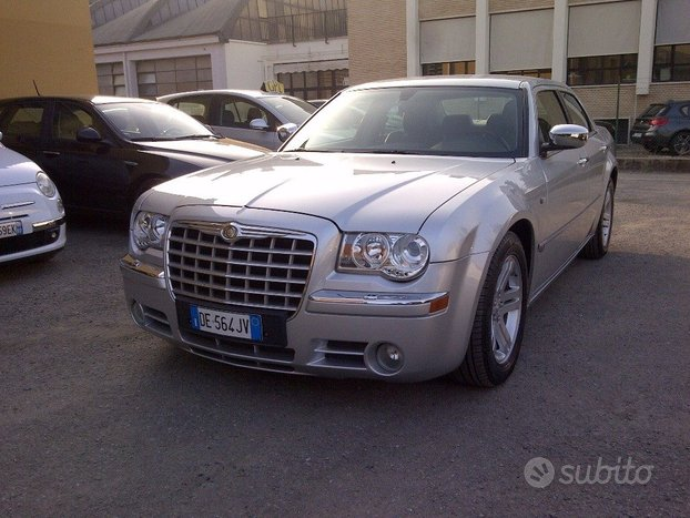 CHRYSLER 300C 5.7 V8 HEMI cat12/06 KM139000