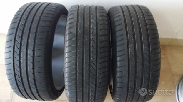 Gomme 215 40 17 Goodyear