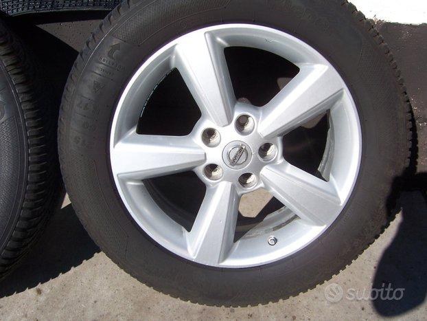 Cerchi in lega r17 con pneumatici winter