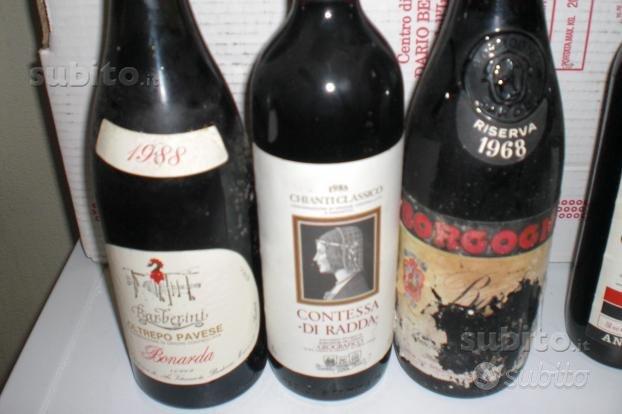 Bottiglie di vino pregiato del 1988, 1985 e 1968