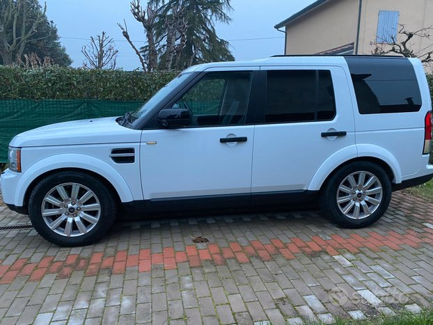 Land Rover Discovery 4 HSE 5 posti