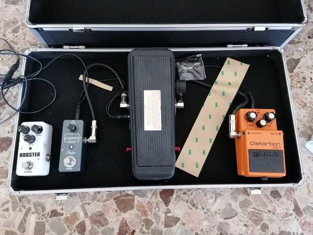 Valigia completa con effetti per chitarra
