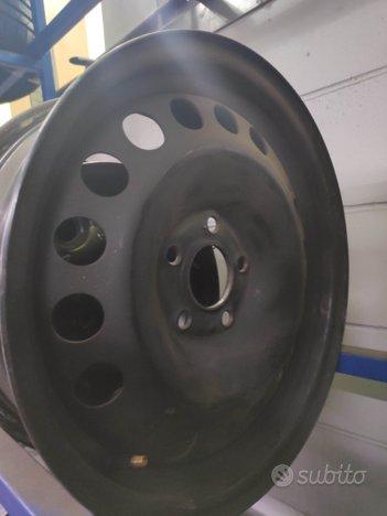 Cerchi in ferro per Opel e per Toyota yaris