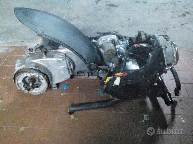 Kymco agility 50 4t motore leggi