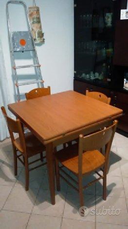 Tavolo allungabile con 4 sedie - Arredamento e Casalinghi In vendita ...