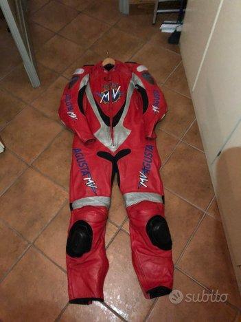 Tuta MV Agusta corse 56 stivali sidi casco Givi