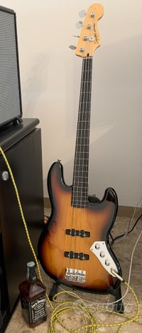 Squier by fender squier jazz bass vintage modified