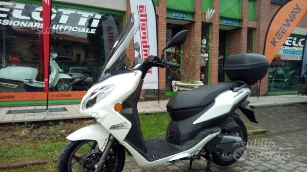 Scooter 125 euro 4