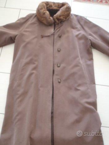 Cappotto con pelliccia/Giacca a vento