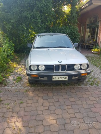 Stupenda BMW E30 316