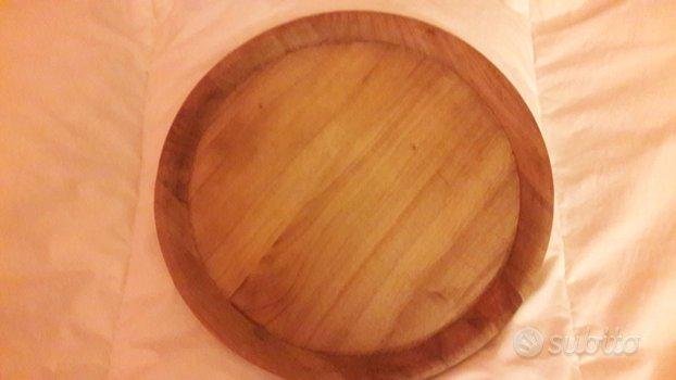 Piatto in legno medievale