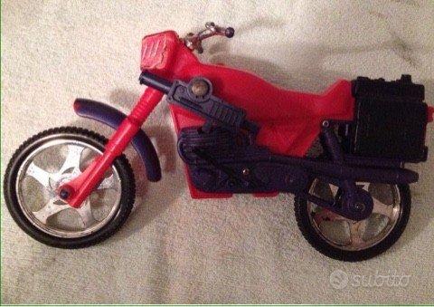 Motore giocattolo gigante
