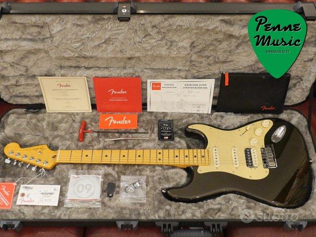 Fender Stratocaster HSS American Ultra MN