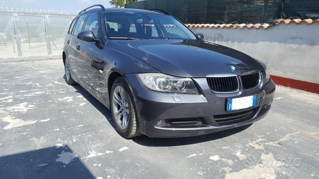 BMW 318d touring motore nuovo