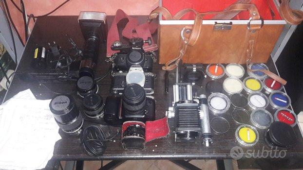 Blocco di materiale fotografico analogico NIKON e