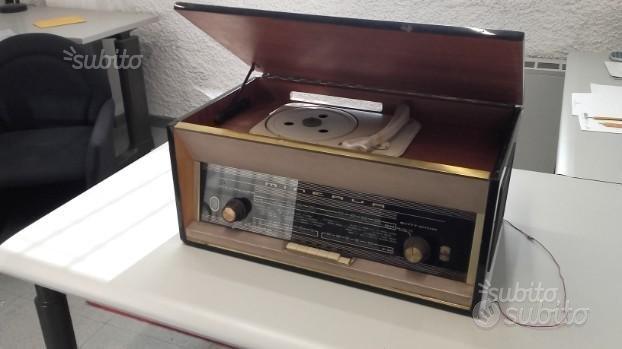 Radio e giradischi Minerva mod. Garda