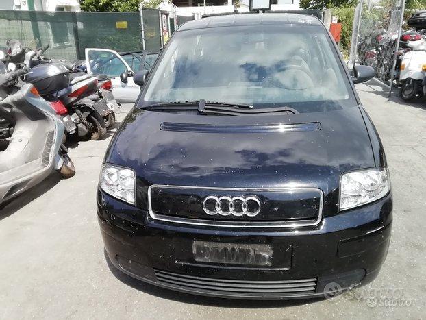 Audi A2 Anno 2001 Per Ricambi