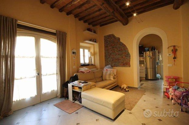 Villa a Schiera a Capannori, 4 locali