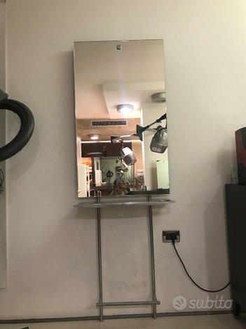 Specchio parrucchiere con mensola e poggiapiedi