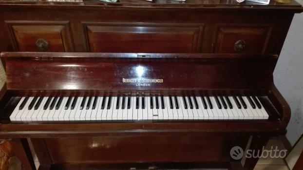 Pianoforte verticale antico '800