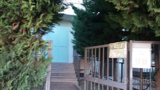 Appartamento con giardini zona 167