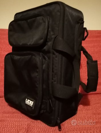 Borsa UDG Ultimate MIDI Controller Backpack Small