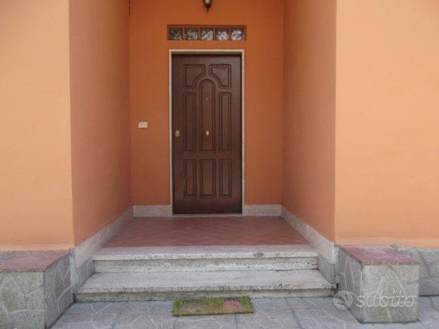 Casa indipendente in Pomezia Centro