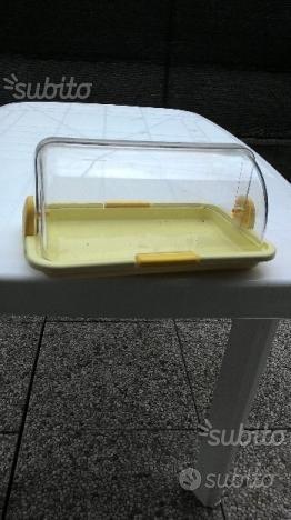 Porta pane in plastica e scatola in legno